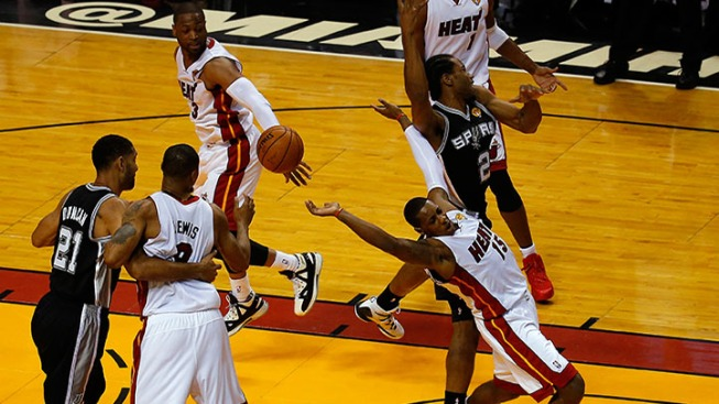 Miami Heat Lose to San Antonio Spurs, 111-92
