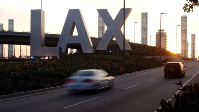 Jet Lands at LAX After Being Struck by Lightning