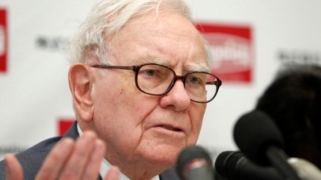 Warren Buffett Fires Back: Trump Hasn't Seen My Tax Returns
