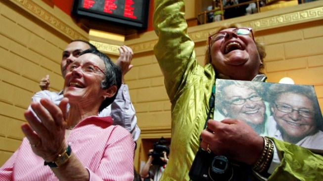 Rhode Island Legalizes Gay Marriage