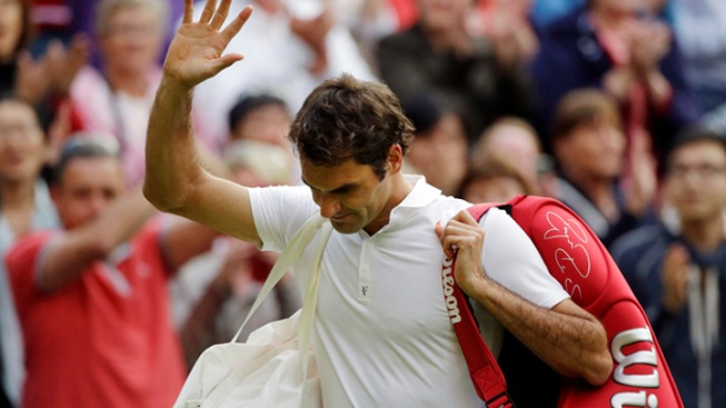 7-Time Champ Roger Federer Knocked Out at Wimbledon in 2nd Round