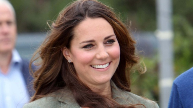 Kate Middleton Makes First Post-Baby Official Appearance