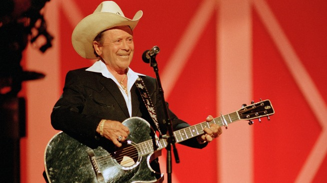 Grand Ole Opry Star Little Jimmy Dickens Dies at 94
