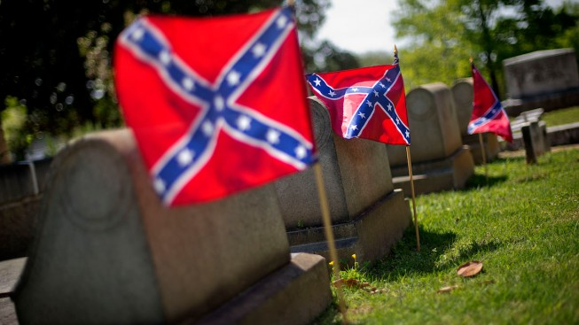 U.S. House Moves to Ban Confederate Flags in Federal Cemeteries
