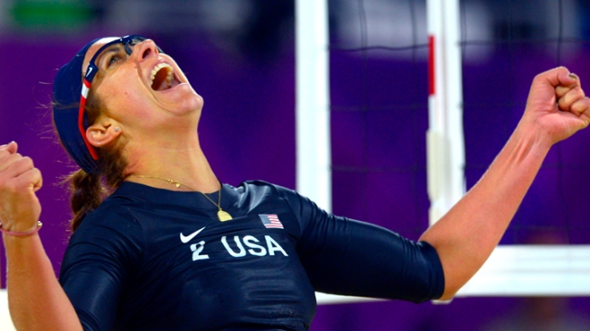 Americans Beat Australians in Beach Volleyball