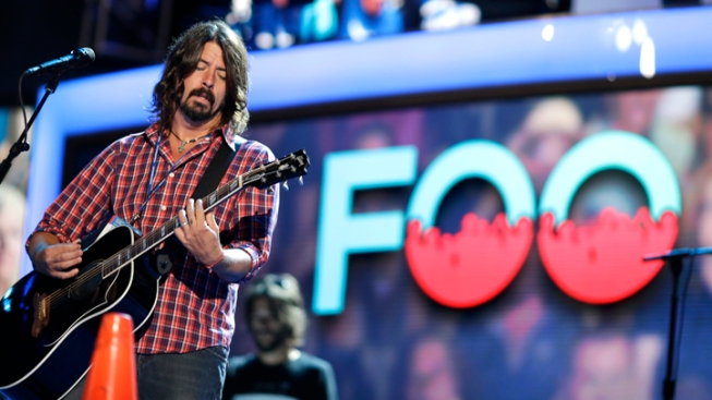 WATCH: 1,000 Italian Rockers Woo Foo Fighters, and It Works