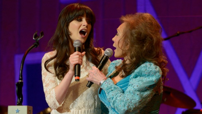 Zooey Deschanel To Star As Loretta Lynn In Broadway Musical