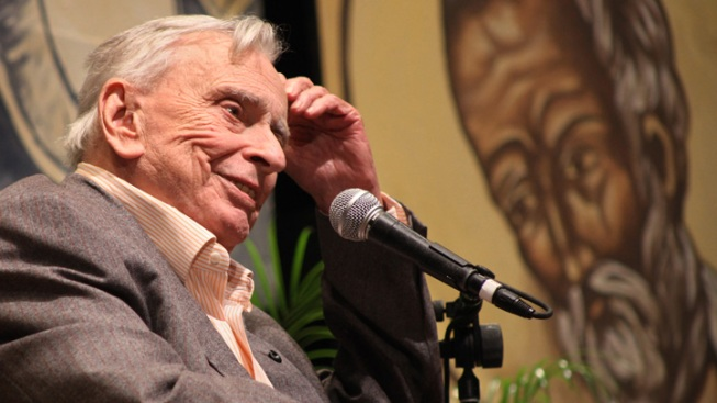 Gore Vidal, Celebrated Author and Playwright, Dies