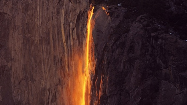 New Horsetail Fall Tour in Yosemite Valley