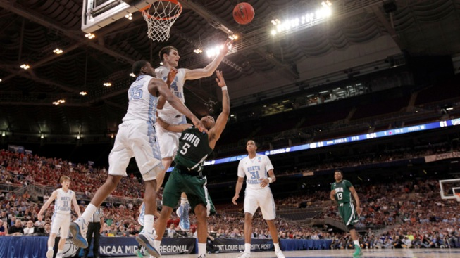 North Carolina Survives Overtime, Beats Ohio 73-65