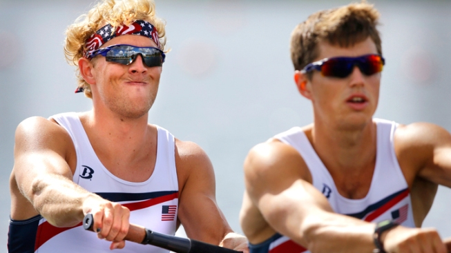 Stanford Grad Advances in Men's Rowing