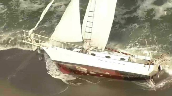 Sailboat Sinks While Being Towed Away From Pacifica Beach Where It Ran Aground