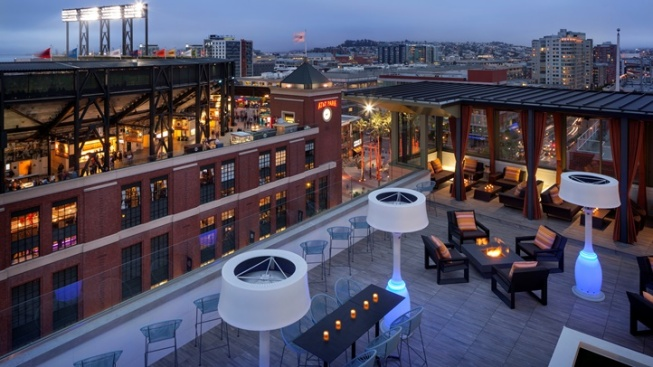 Hotel VIA: San Francisco Rooftop Relaxing