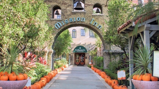 12,000 Pounds of Pumpkins: Mission Inn October