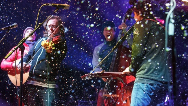Skiing and Strings: WinterWonderGrass