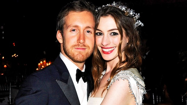 Anne Hathaway to Wed Longtime Boyfriend