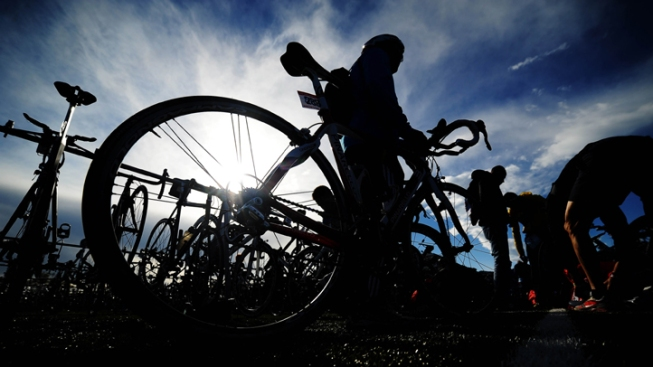 Taiwanese Man, On Worldwide Bicycle Ride, Stops in Cupertino
