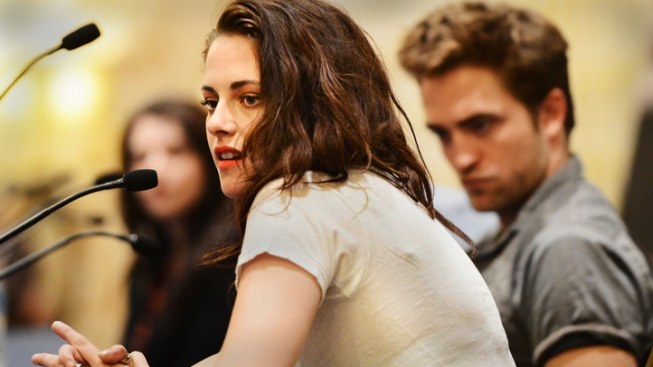 Kristen Stewart Moves Out After Cheating on Robert Pattinson: Report