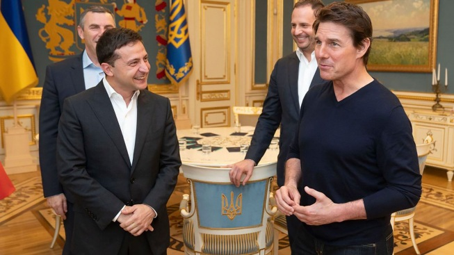 'You're Good-Looking': Ukraine's Leader Woos Tom Cruise