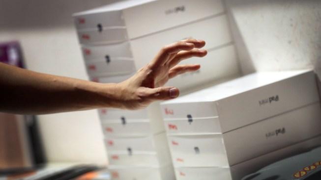 $1.5 Million of iPad Minis Stolen in Airport Heist