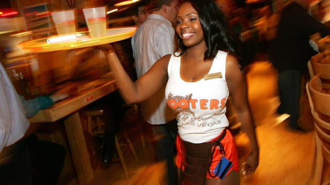 Hooters Eyeing Rohnert Park Location