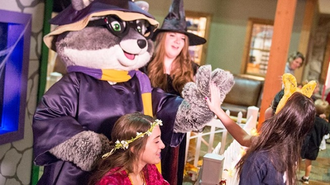 Howl-O-Ween at Great Wolf Lodge
