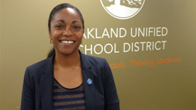 Oakland Unified School Board Names New Superintendent