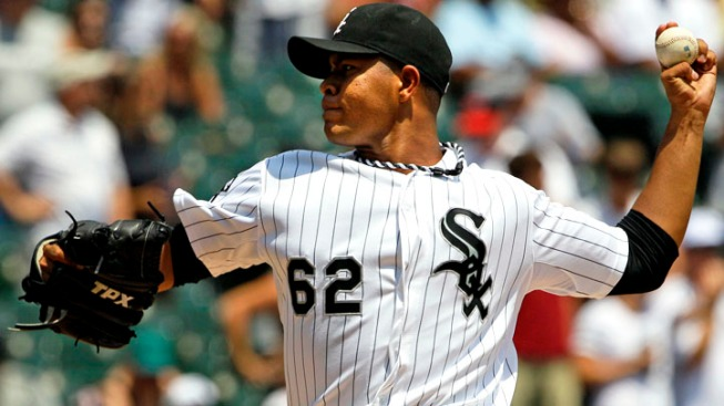 Cubs acquire Jose Quintana from White Sox for four prospects