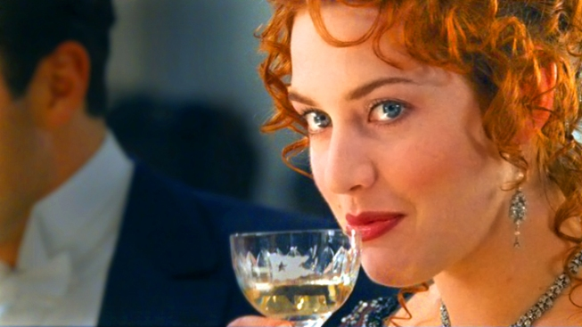 "China Blocks Kate Winslet's ""Titanic"" 3D Breasts"