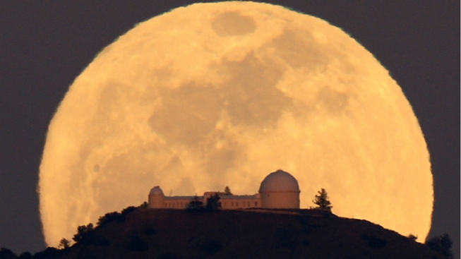 Full Moon Over Mount Hamilton Wows South Bay