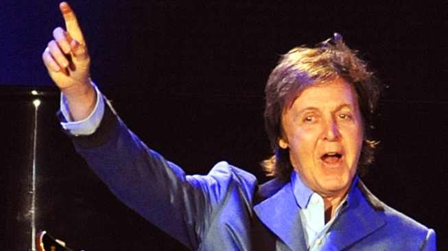 McCartney Leaves Token at Presley's Grave