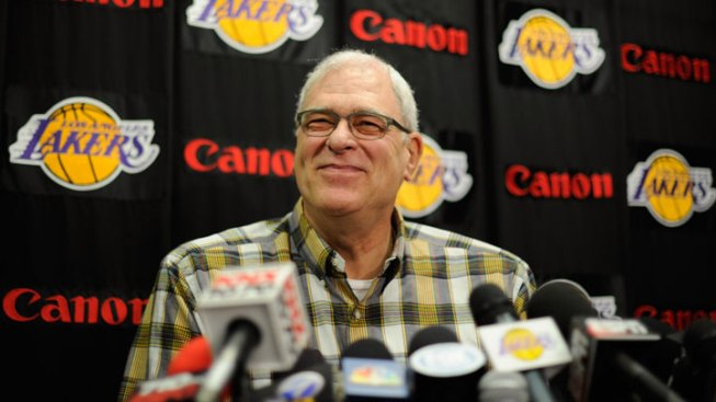 Lakers in Talks With Phil Jackson About Return