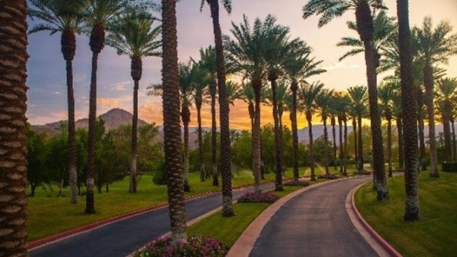 An October-Atmospheric Getaway in Indian Wells