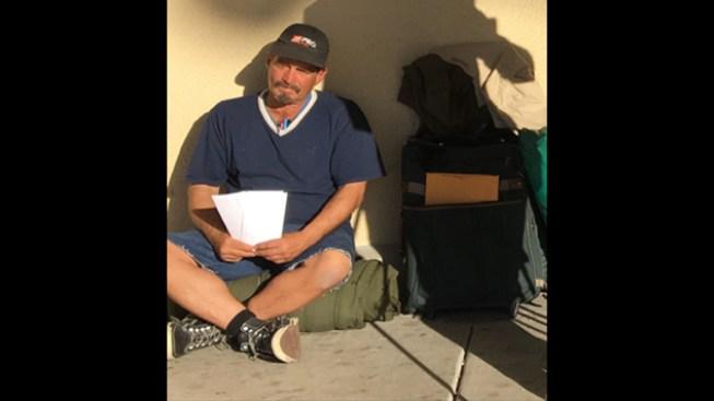Homeless Man Hands Out Resumes, Lands a Job
