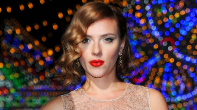 "Scarlett Johansson to play ""Cat on a Hot Tin Roof"" on Broadway"