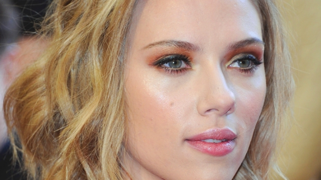 FBI Investigating Leaked Nude Scarlett Johansson Pictures