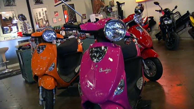 Moped-Sharing Startup Wants to Scoot You Around SF