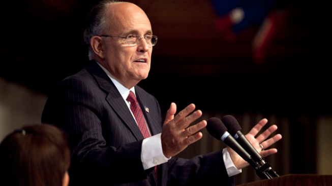 "Giuliani Finds Christie ""Credible"" on Bridge Flap"
