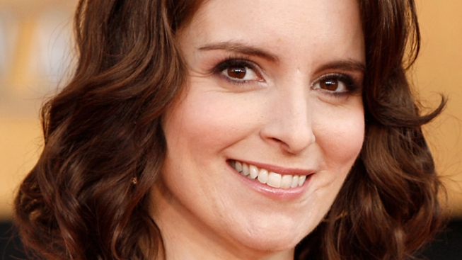 "Pregnant Tina Fey to Host ""SNL"" in May"