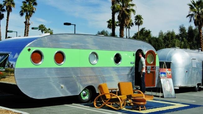 Retro-mazing Trailers Are a Modernism Week Favorite