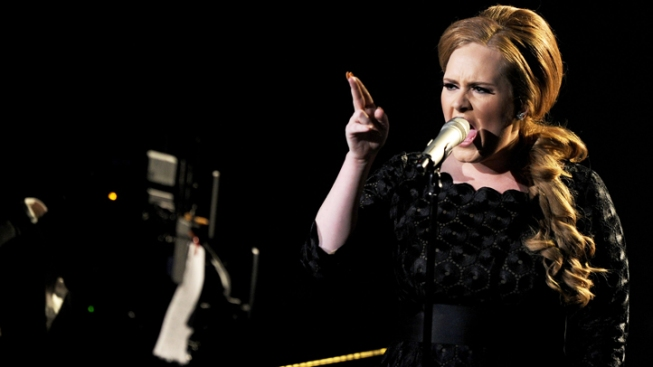 "Adele, ""Les Miserables"" Cast Sing on Oscar Stage"