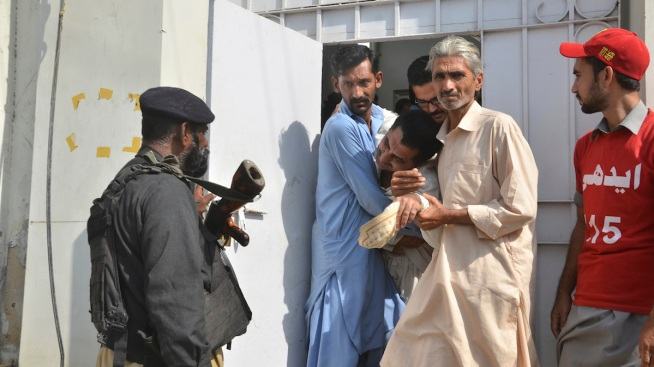 Separatists Attack Chinese Consulate in Pakistan, Killing 4