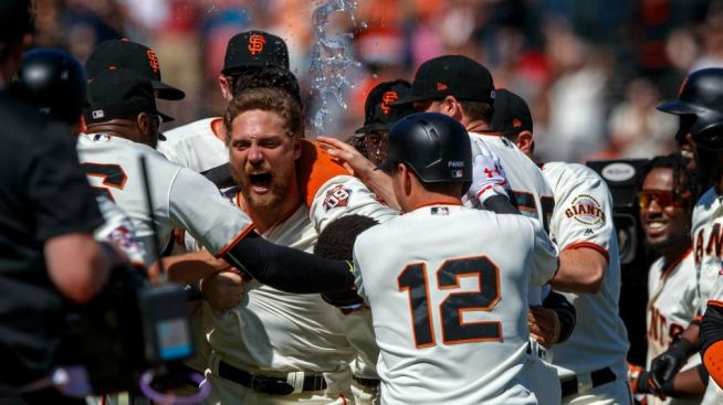 Pence's 2-Run Double in 11th Lifts Giants Over Padres 3-2