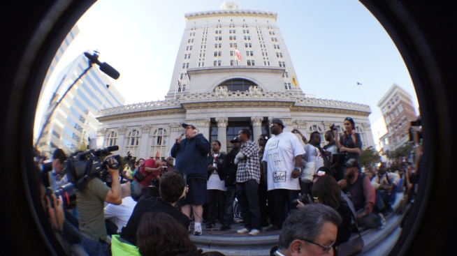 Occupy Oakland Attempts City Hall Break In