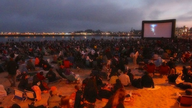 Santa Cruz: Free Movies on the Beach