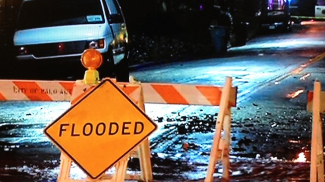 Creek Causes Flooding Near Hwy. 101 in Palo Alto