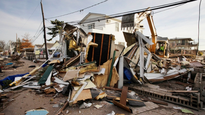 N.Y. Hiring 5,000 Locals for Sandy Cleanup