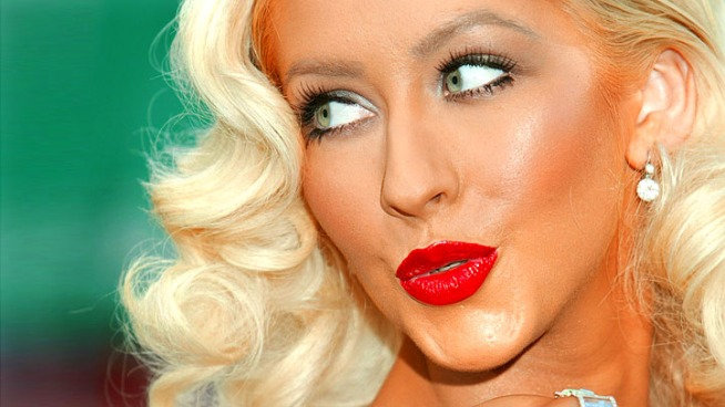 "Xtina On Super Bowl Gig: ""I'm Up For Any Challenge"""