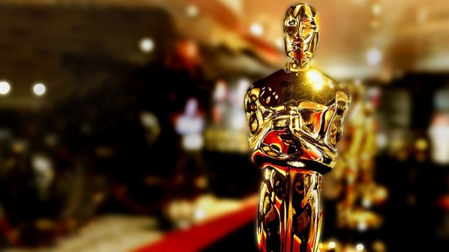 Raw Video: Oscar Red Carpet Rolled Out