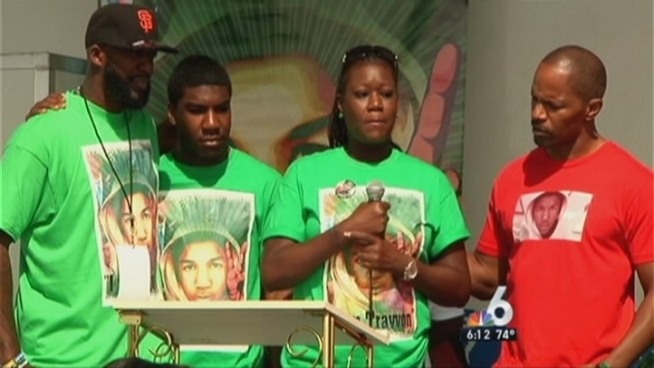 Actor Jamie Foxx joined the parents of slain teenager Trayvon Martin on Saturday for a community event in South Florida that drew throngs of people. NBC 6 reporter Betty Yu has the story.